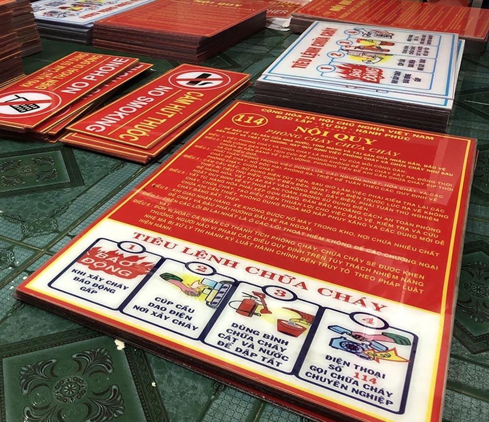 Bảng Mica Nội Quy PCCC & Tiêu Lệnh Chữa Cháy 40x60cm