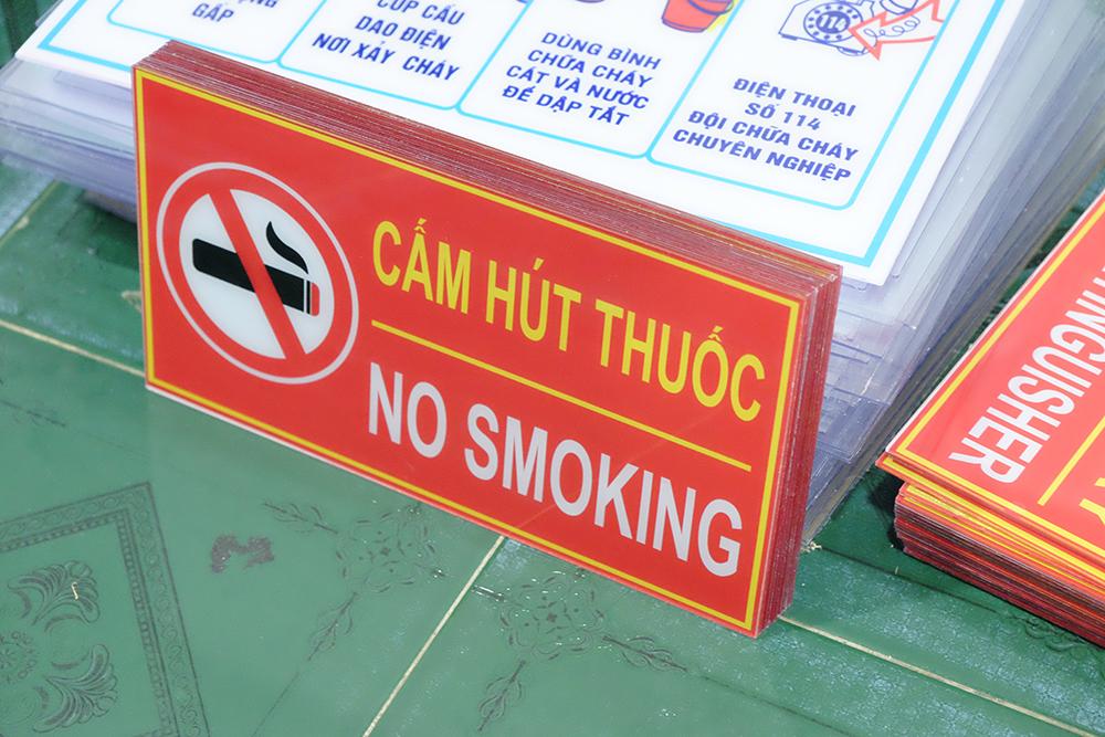 Bảng Cấm Hút Thuốc PCCC Mica 15x30cm (No Smoking)