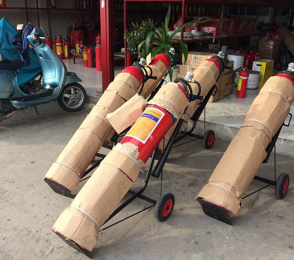 Bình chữa cháy xe đẩy khí CO2 24kg MT24 loại lớn
