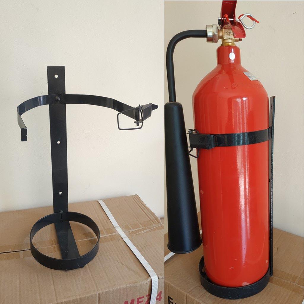 giá treo bình chữa cháy xách tay bằng sắt có khóa an toàn