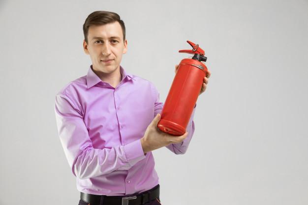 Khí co2 không dùng để dập tắt đám cháy nào?