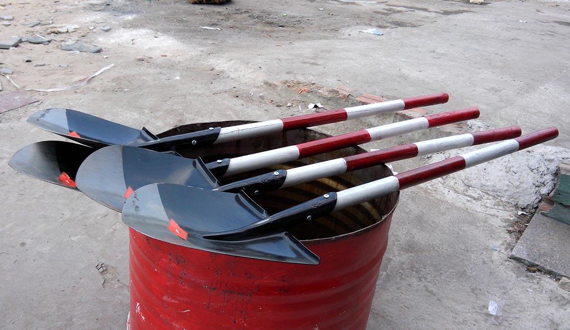 Bộ thùng phi đựng cát chữa cháy / Xẻng xúc cát PCCC 1m2