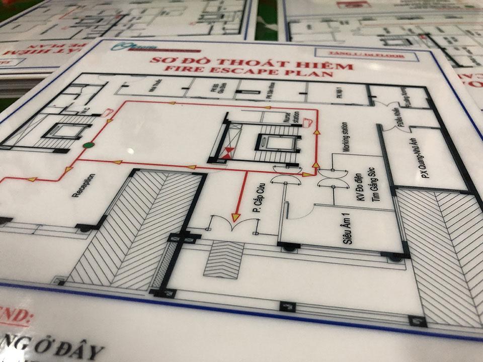 bảng sơ đồ thoát hiểm trong tòa nhà mica in uv