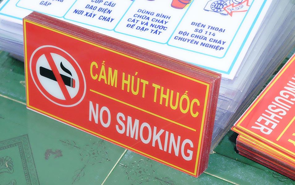 biển báo an toàn mica 2mm cấm hút thuốc - no smoking