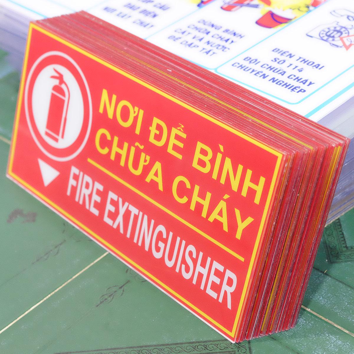 bảng mica dán decal nơi để bình chữa cháy - fire extinguisher
