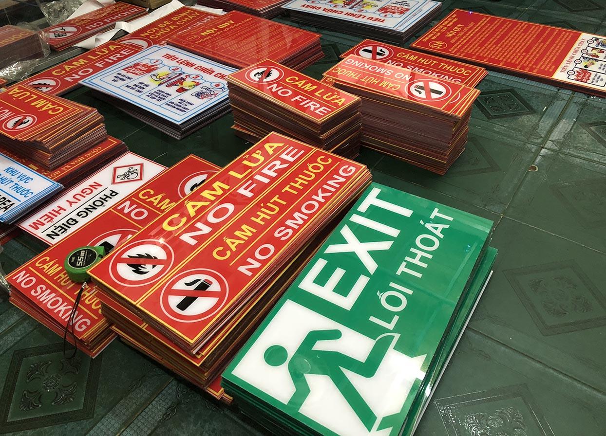 xưởngsản xuất bảng báo an toàn pccc bằng mica giá rẻ tại Sài Gòn